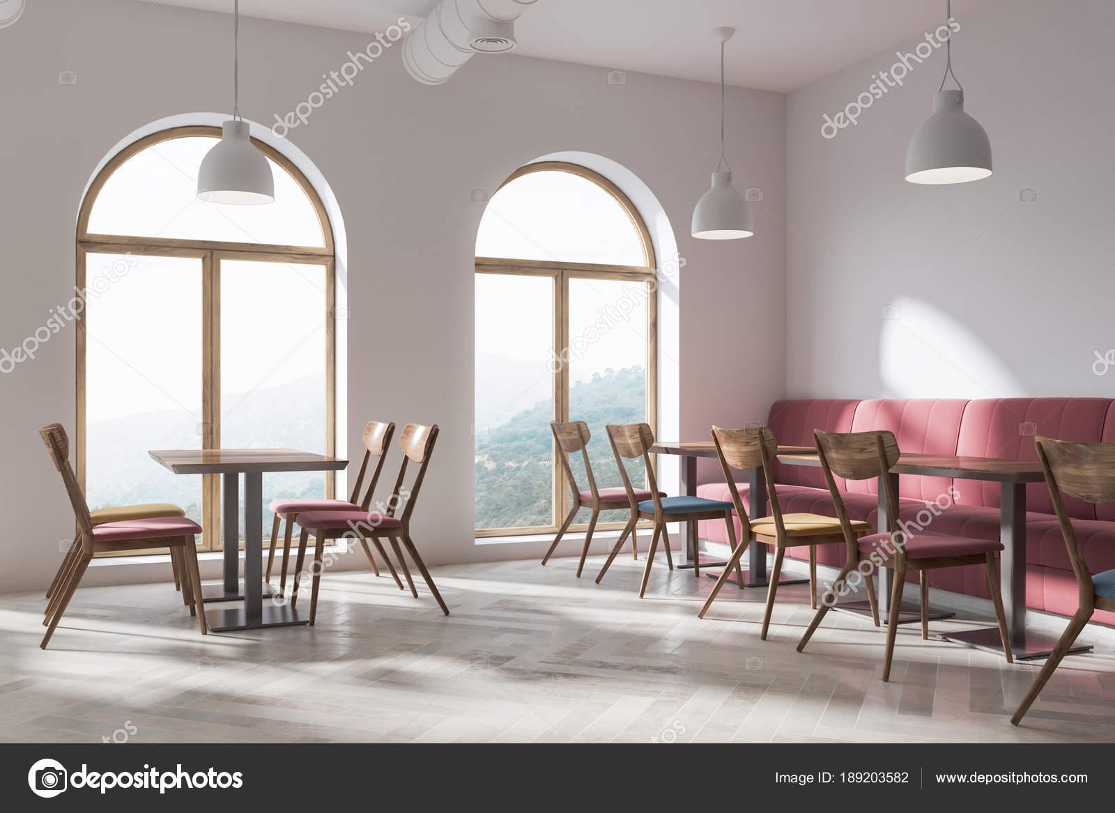 Stilvolle Loft Bar, rotes Ecksofa — Stockfoto © denisismagilov ...
