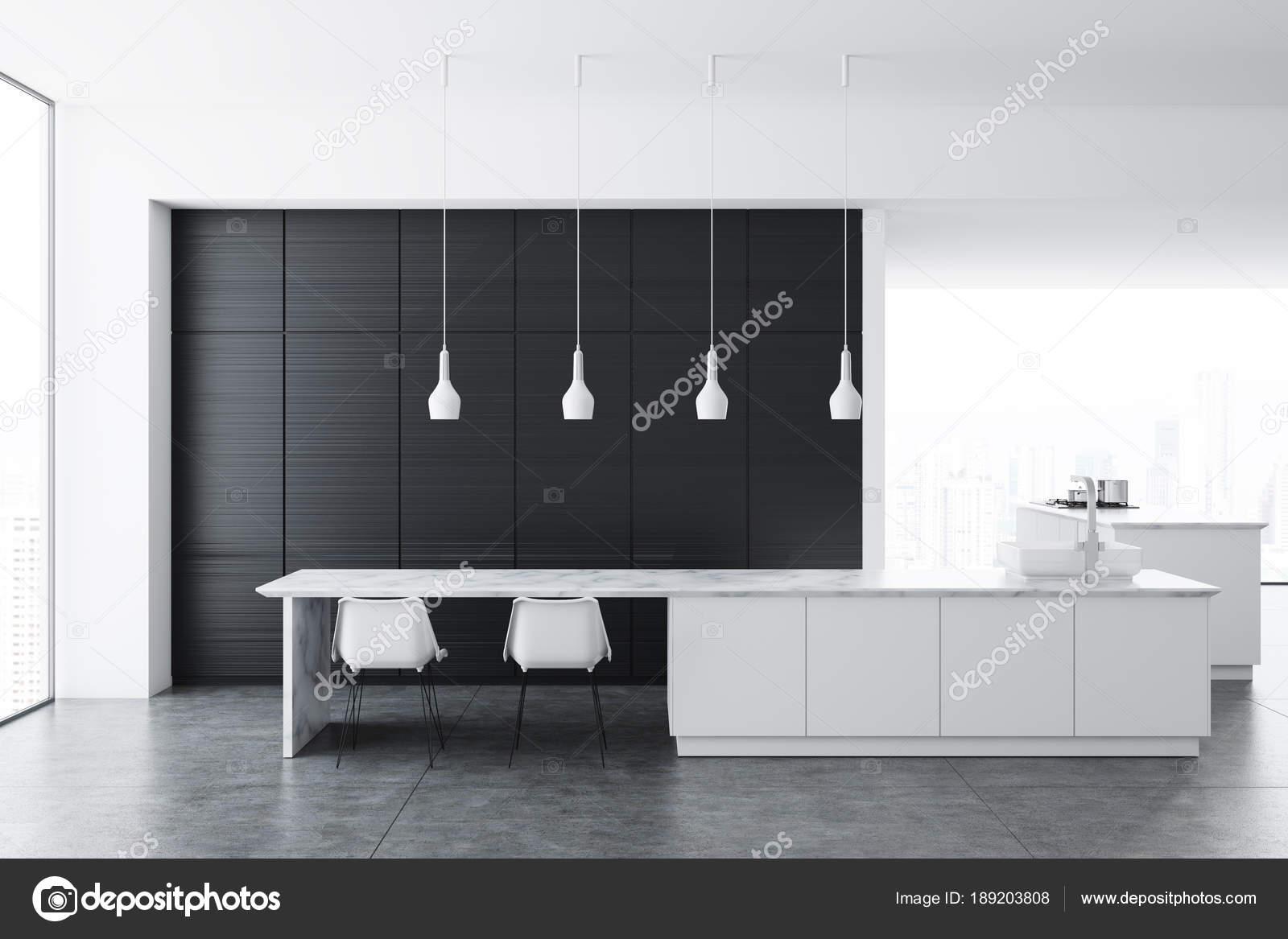 Weiße Küche, dunkler Holzschrank — Stockfoto ...