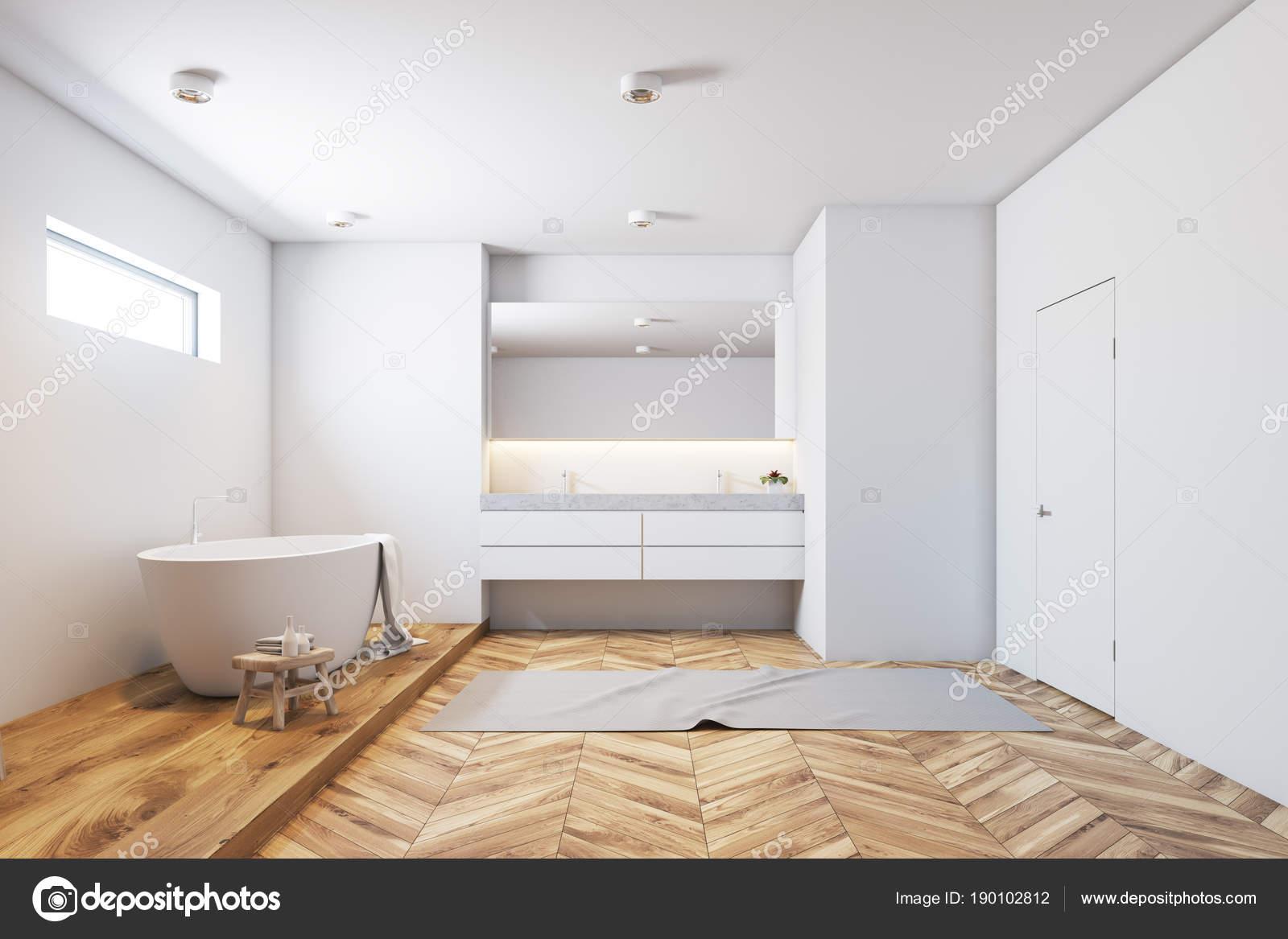 Weiße Fliesen Badezimmer Interieur, weiße Wanne, Holz ...