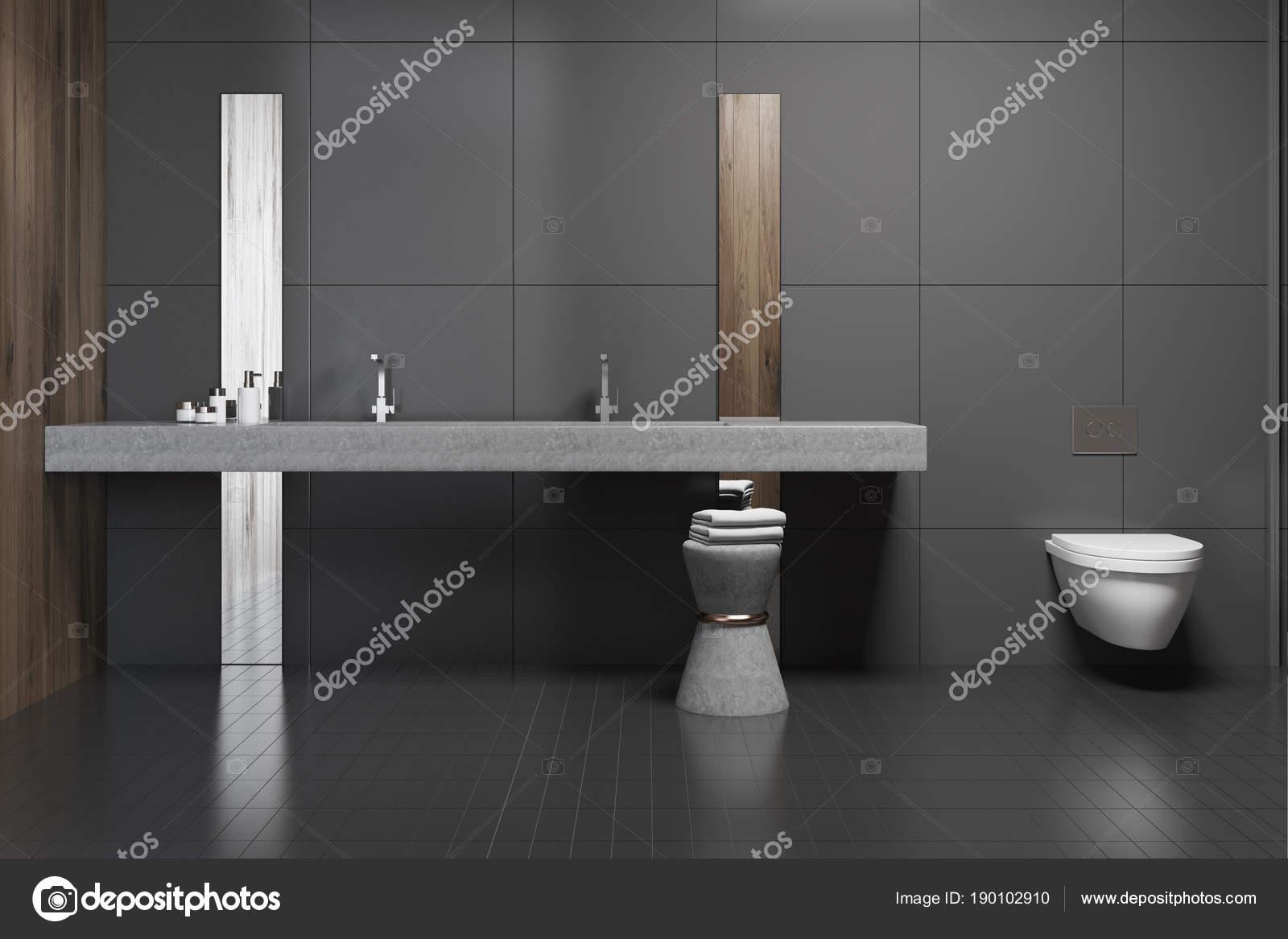 schwarz bad interieur, doppelte waschbecken und toilette — stockfoto