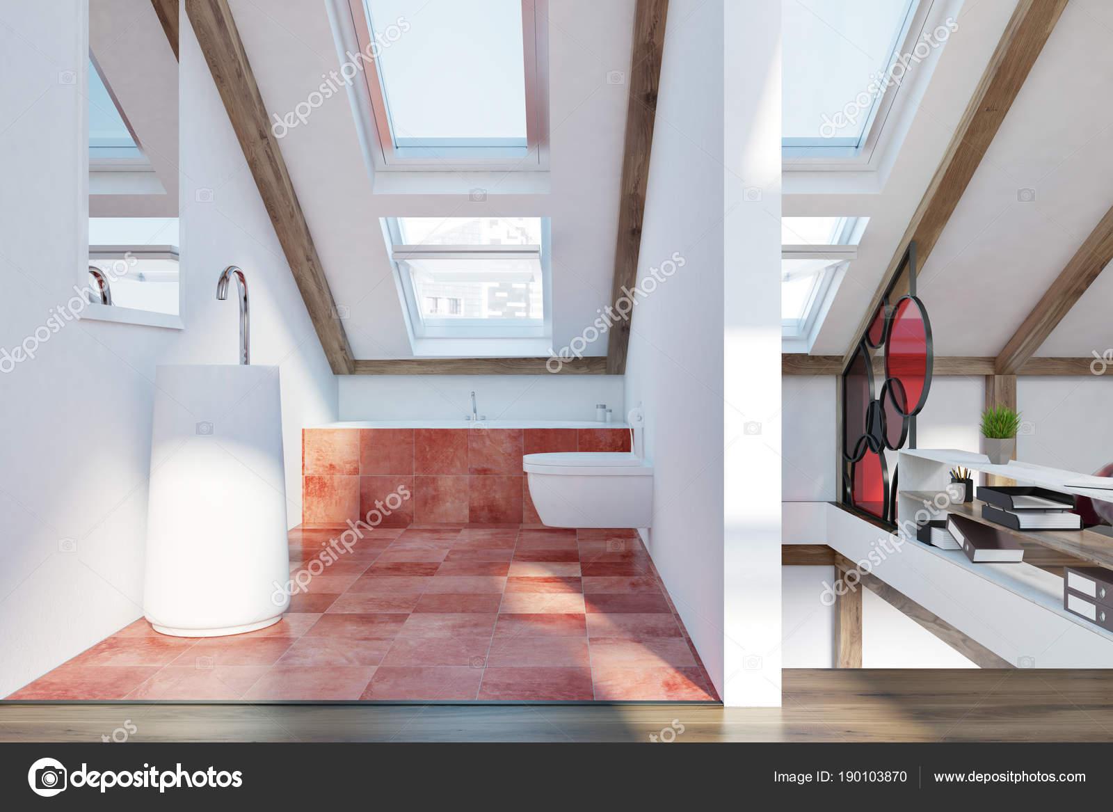 Attic badkamer interieur u stockfoto denisismagilov