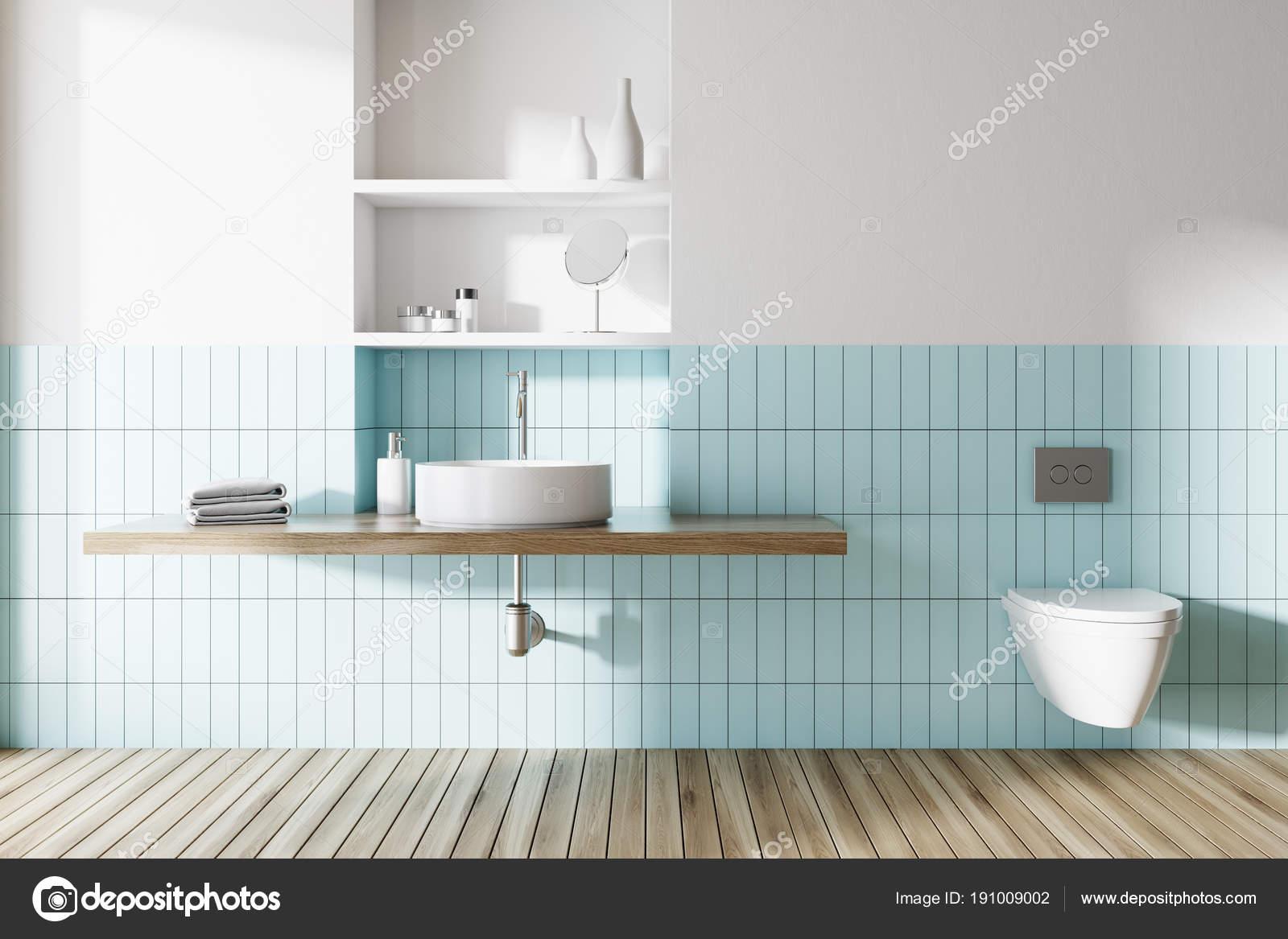 Mueble lavabo azul lavabo e inodoro en un ba o azul y blanco foto de stock denisismagilov - Inodoro y lavabo en uno ...