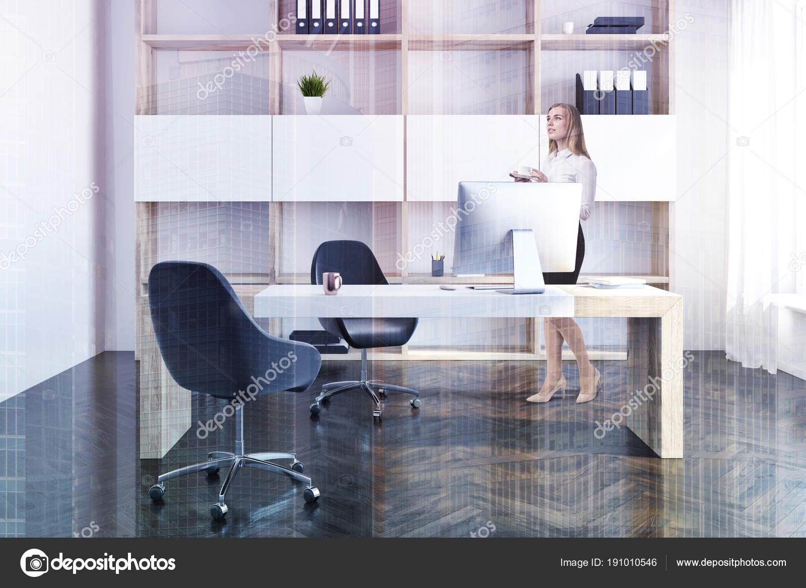https://st3.depositphotos.com/2673929/19101/i/1600/depositphotos_191010546-stockafbeelding-bedrijf-manager-kantoor-interieur-zakenvrouw.jpg