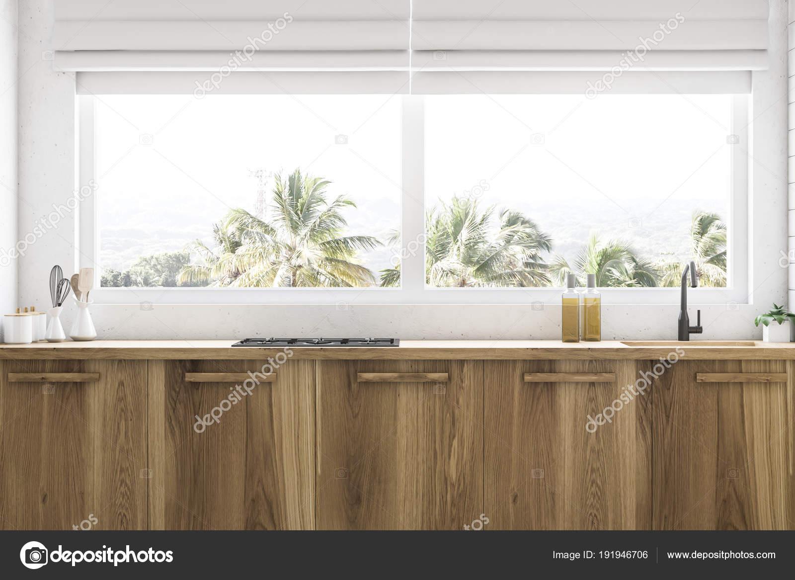Piani cucina in legno sotto la finestra si chiuda — Foto Stock ...