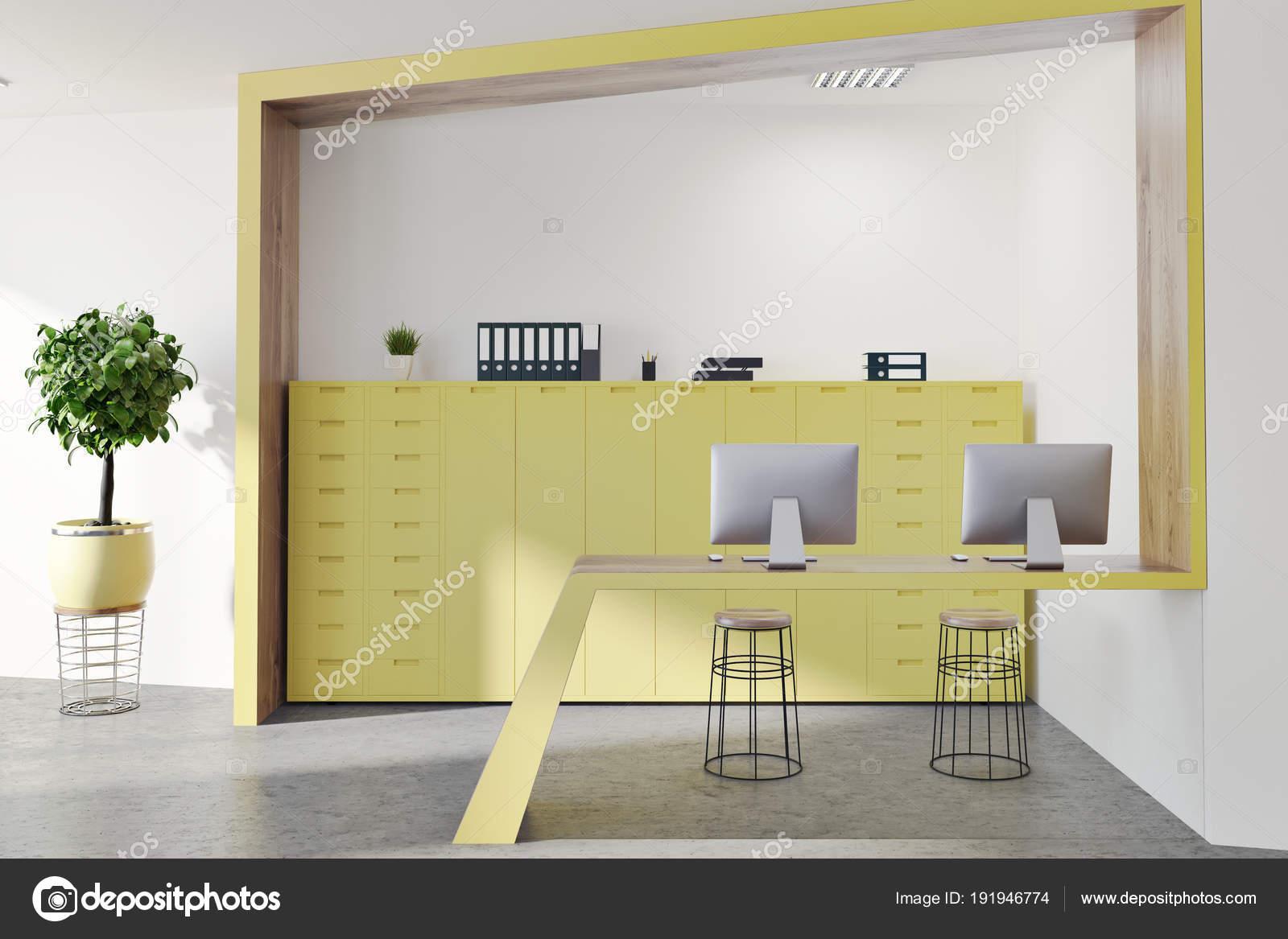 Accueil salle dattente bureau jaune et en bois u2014 photographie