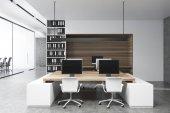Fotografie Bílé a dřevěné kancelářské interiérové, přední pohled