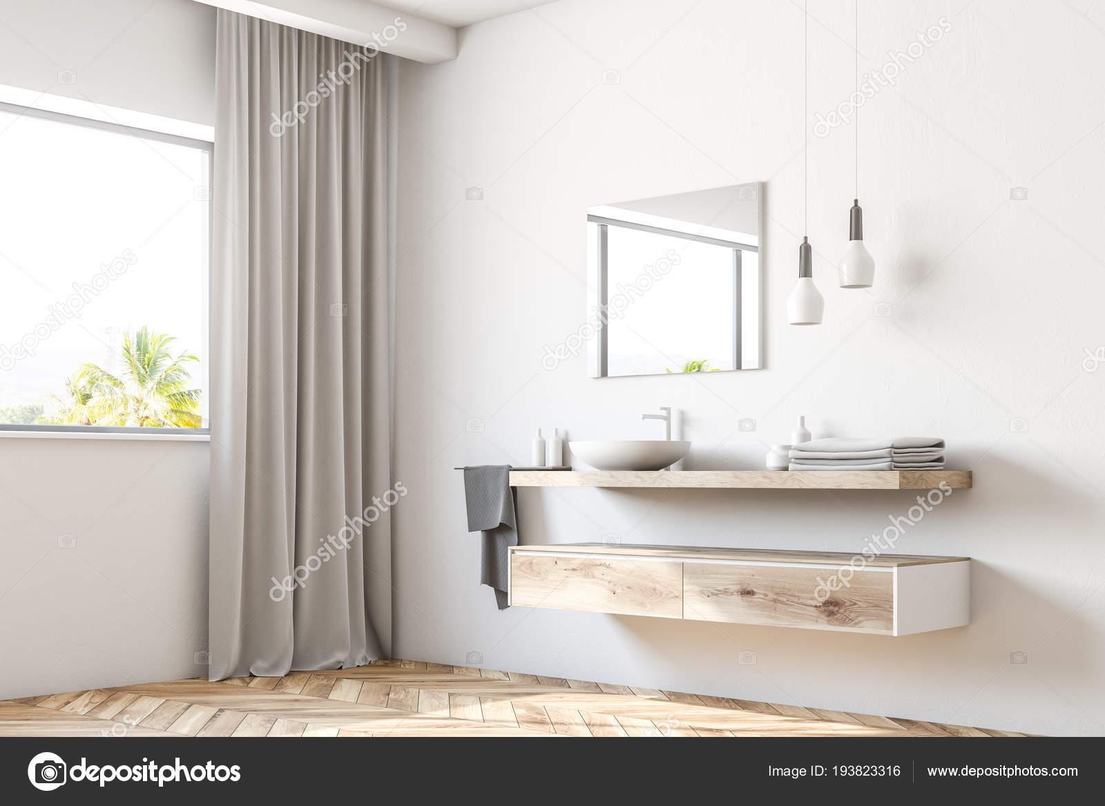Witte Badkamer Wastafel : Witte badkamer wastafel permanent een houten plank een vierkante