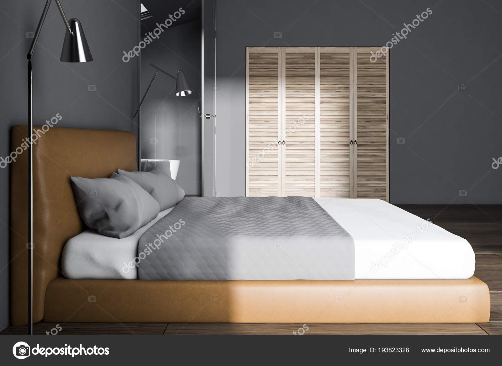 Luxe Slaapkamer Kast : Luxe grijze slaapkamer interieur met een king size bed een