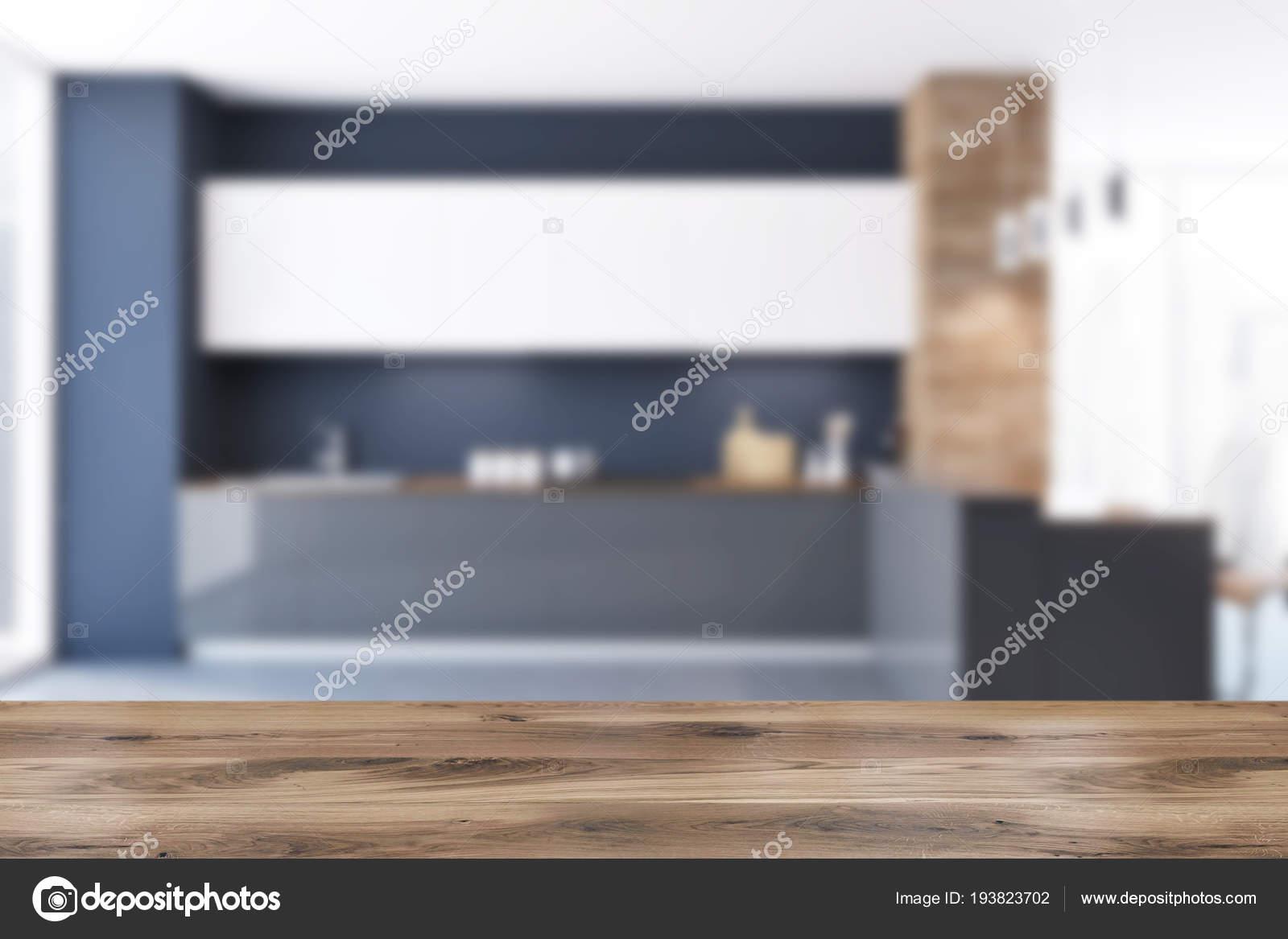 Soffitto In Legno Finto : Interno cucina muro nero legno sottotetto con pavimento cemento