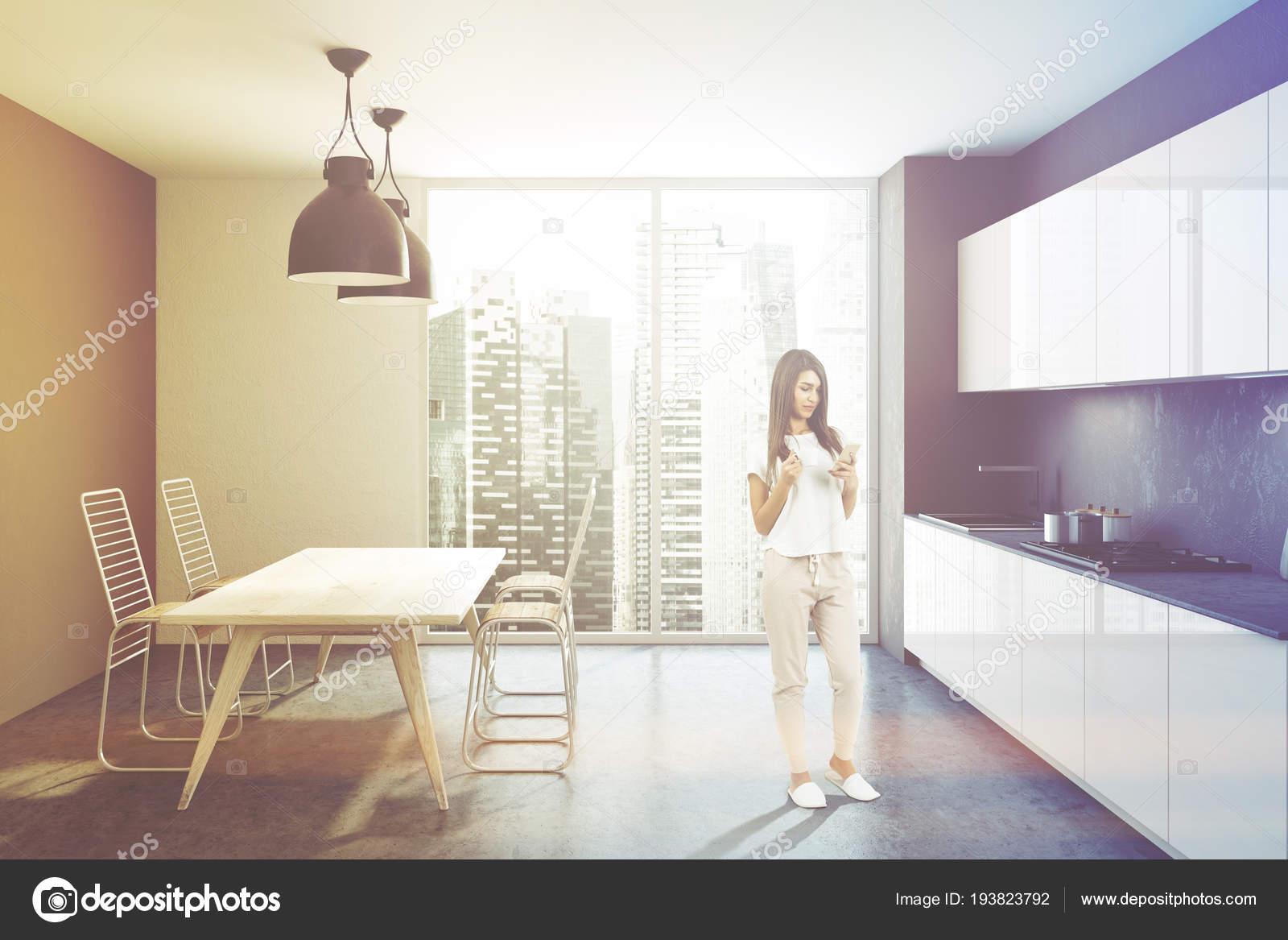 Pareti Con Foto In Bianco E Nero : Loft interiore della cucina parete bianco nero con pavimento