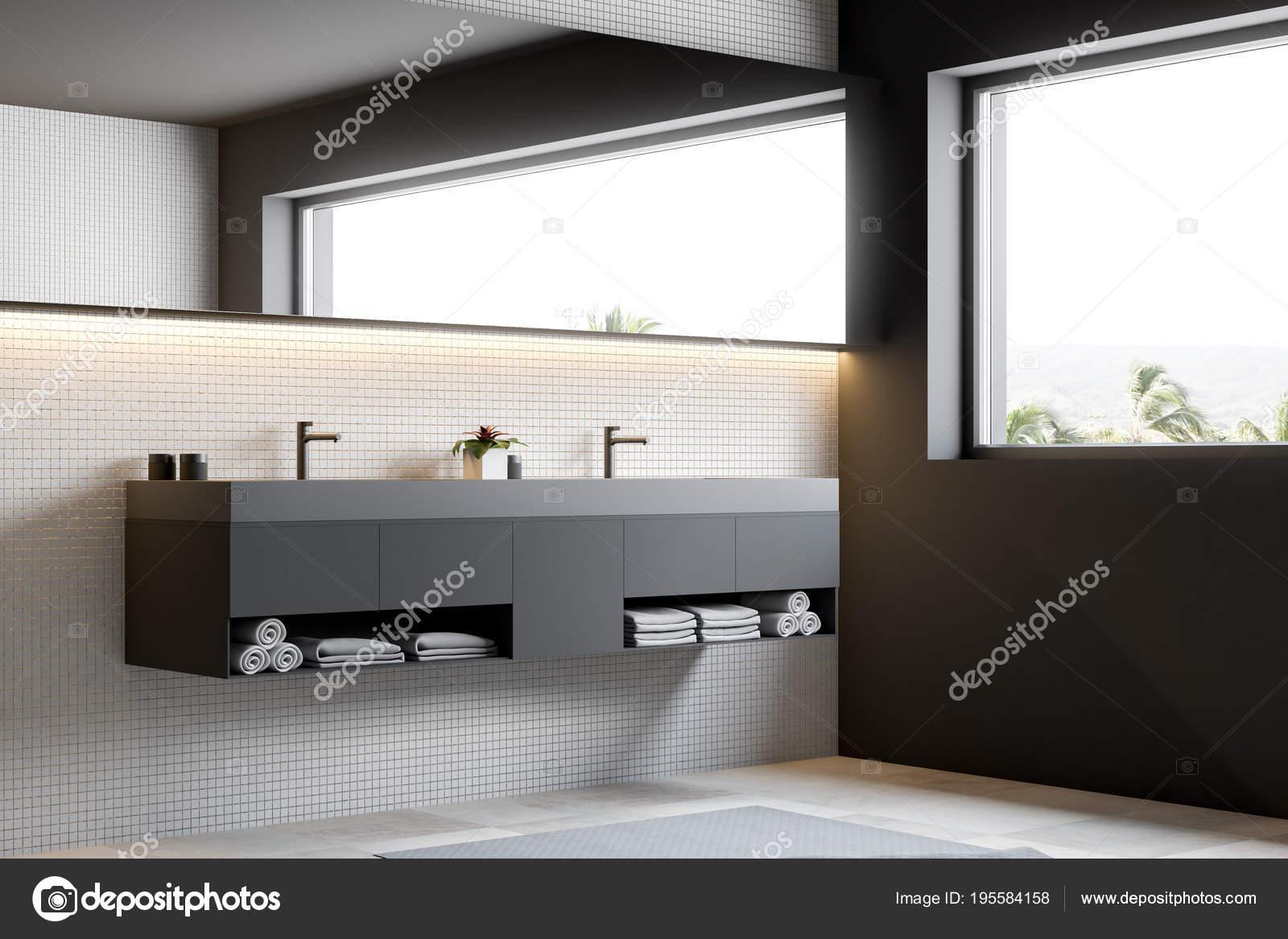 Bagno Con Mosaico Beige : Bagno in mosaico beige parete vista laterale doppio lavabo u foto