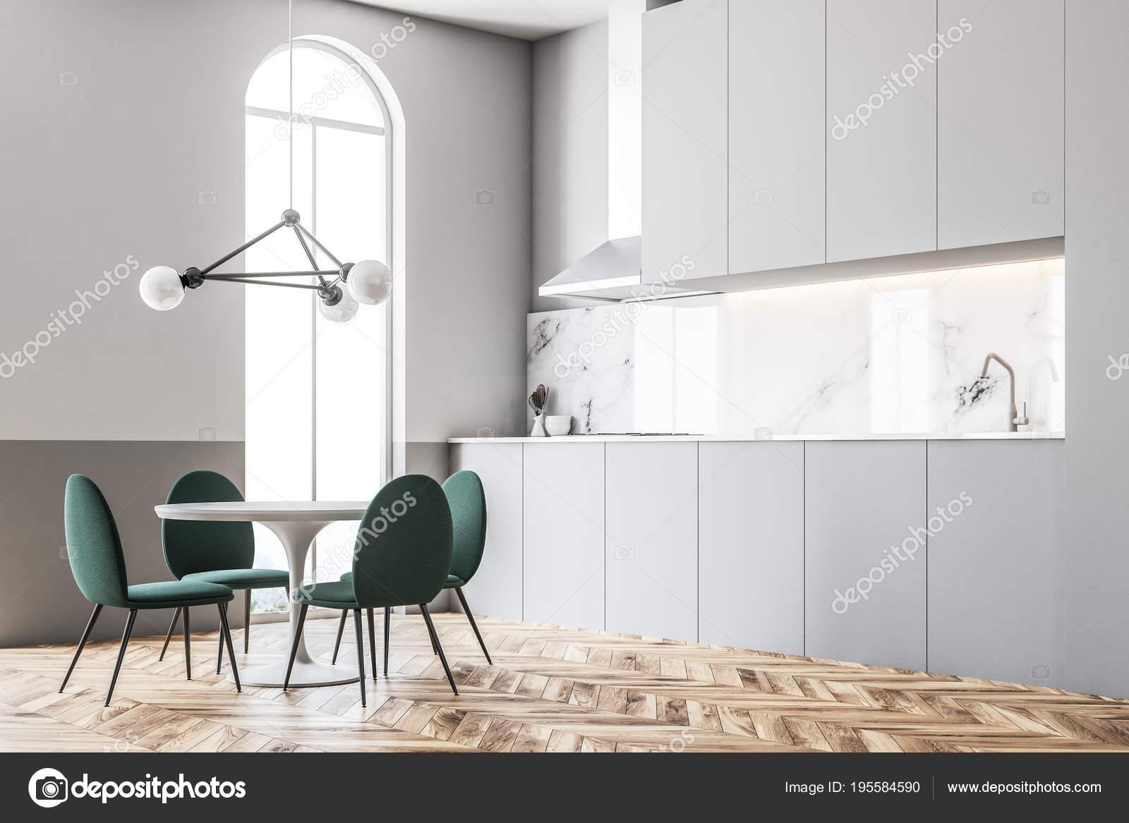 Grune Stuhle Esszimmer Gewolbt Eckfenster Stockfoto