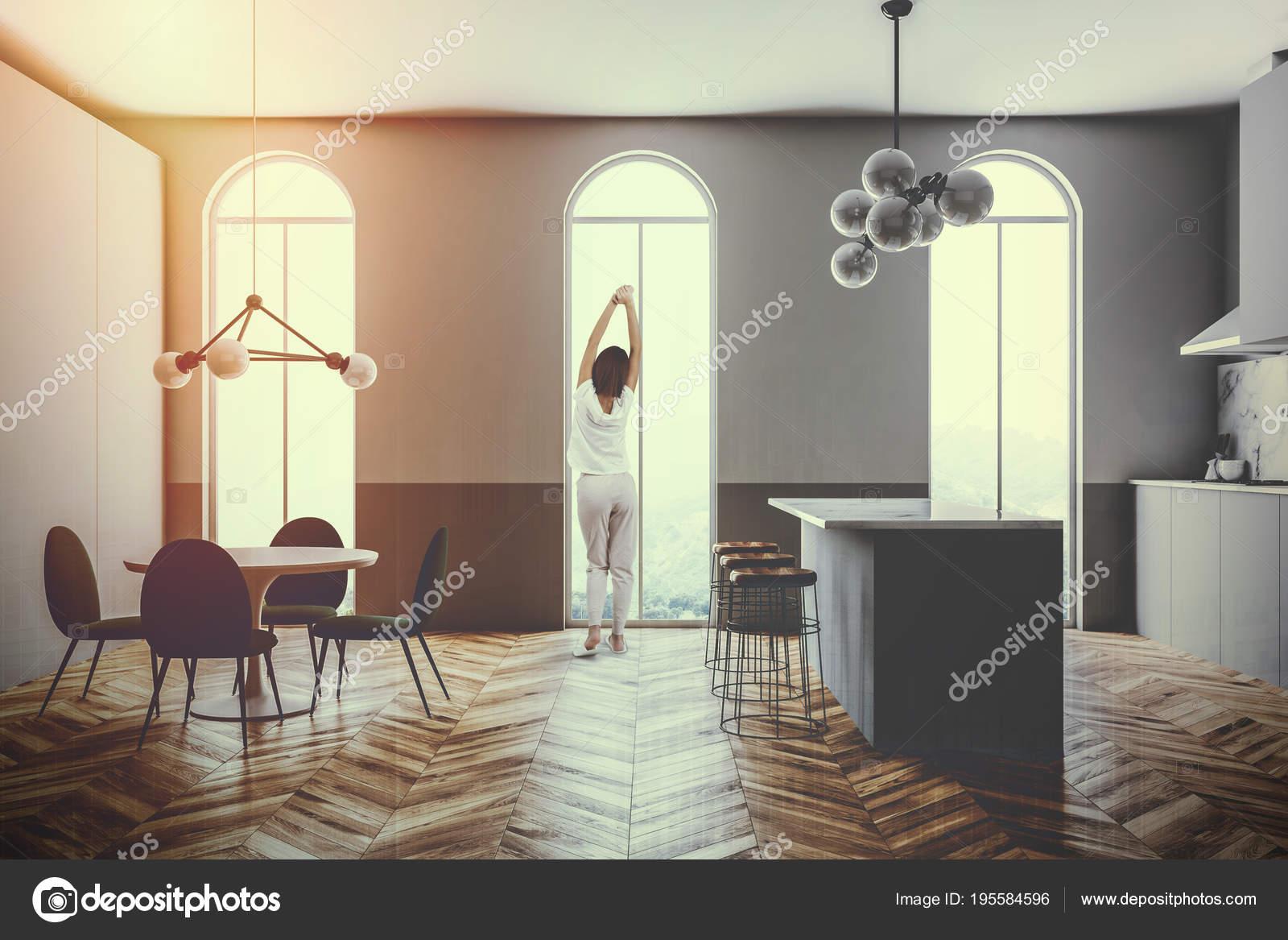 Grijze interieur boogramen keukenbar toned u2014 stockfoto