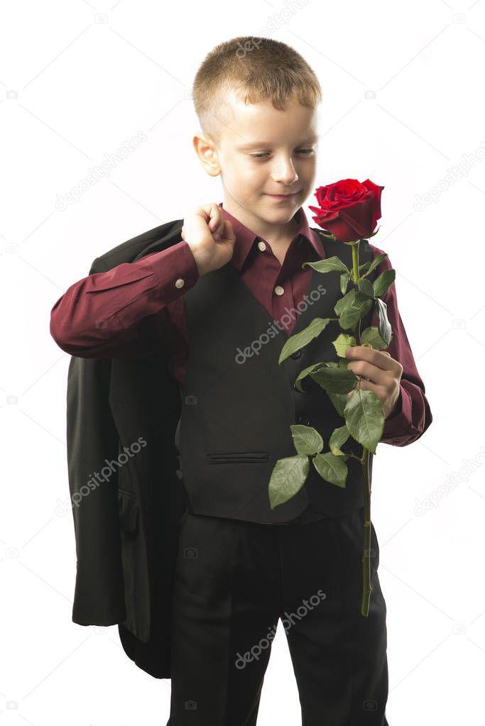 Картинки мужчина с цветами в руках на коленях