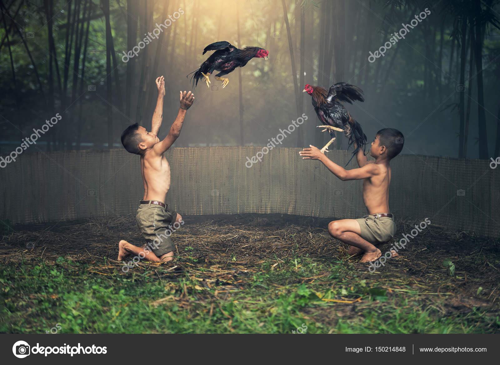fotos van jongens lullen