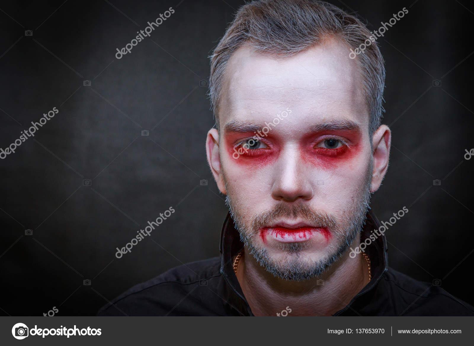 Trucco Halloween Vampiro Uomo.Foto Trucco Di Vampiro Maschio Trucco Vampiro Uomo Foto Stock