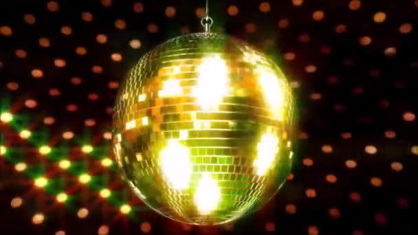 Působivé barevné jiskřící strop party klub funky disco koule bliká jasné světlo lampy rotující ve smyčce animace