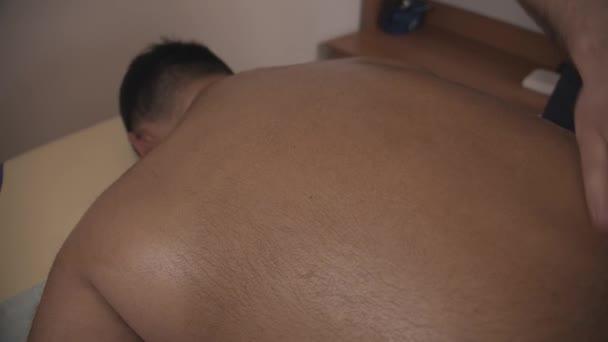 Wellness-Massage für Männer.