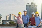 Mnohonárodnostní stavební inženýři