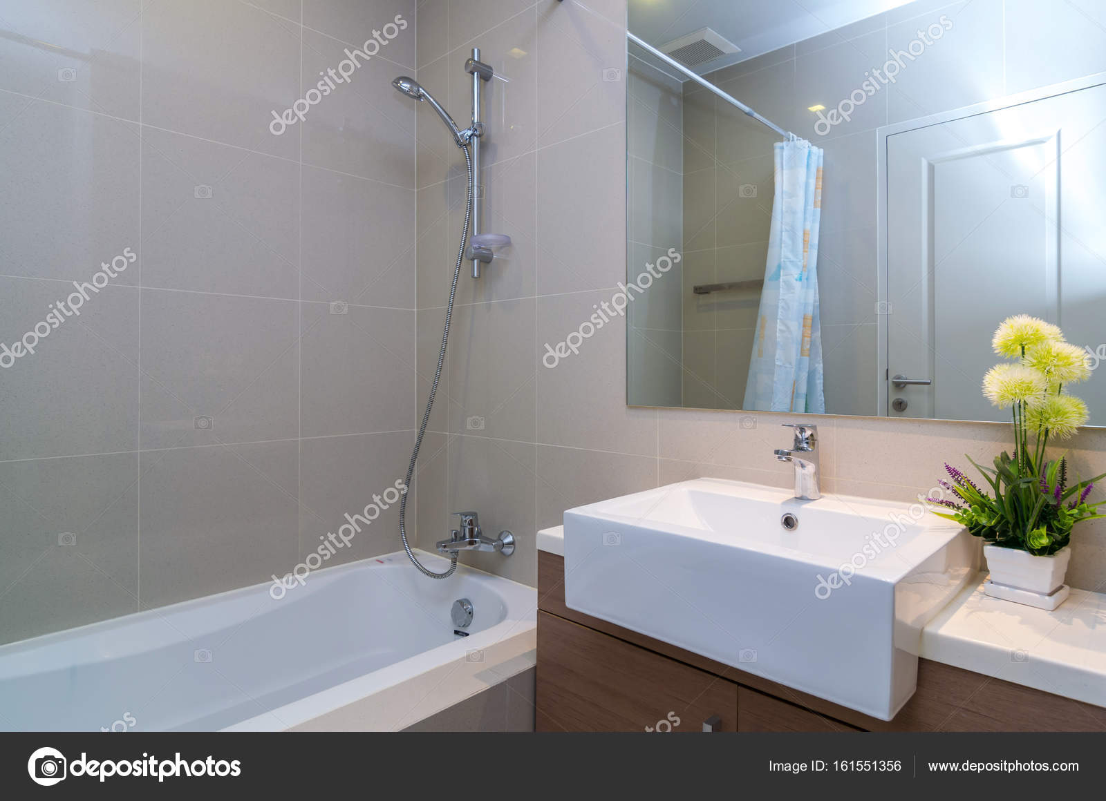 luxe moderne badkamer — Stockfoto © Tzido #161551356