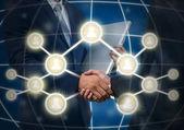 Obchodní handshake symbolem sociální média