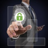 Fotografia Scansione delle impronte digitali delluomo daffari e la moderna tecnologia di pressatura blocco di sicurezza sopra lo sfondo blu scuro, sceurity Business Technology Concept. Cornice quadrata dimensione