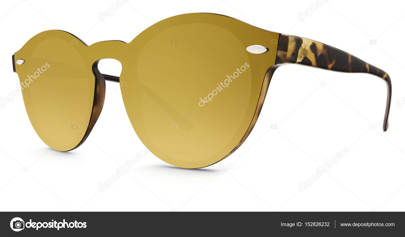 960693a0bc Manchado marrón gafas de sol lentes de espejo de oro aisladas sobre fondo  blanco — Foto de ...