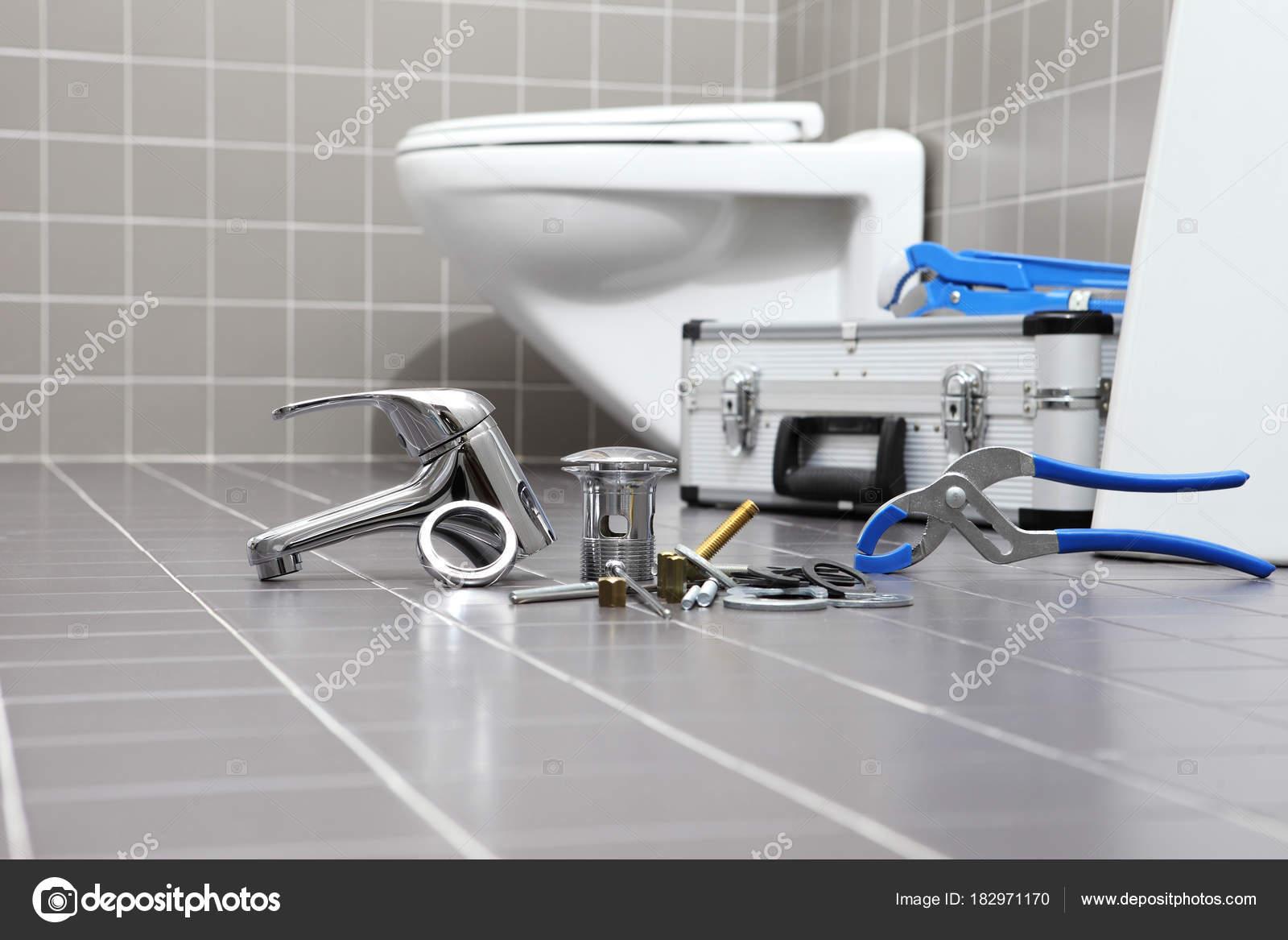 Utensili idraulici e attrezzature in bagno impianto idraulico