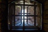 Fotografia Finestra luce bene nel seminterrato del Castello Estense a Ferrara