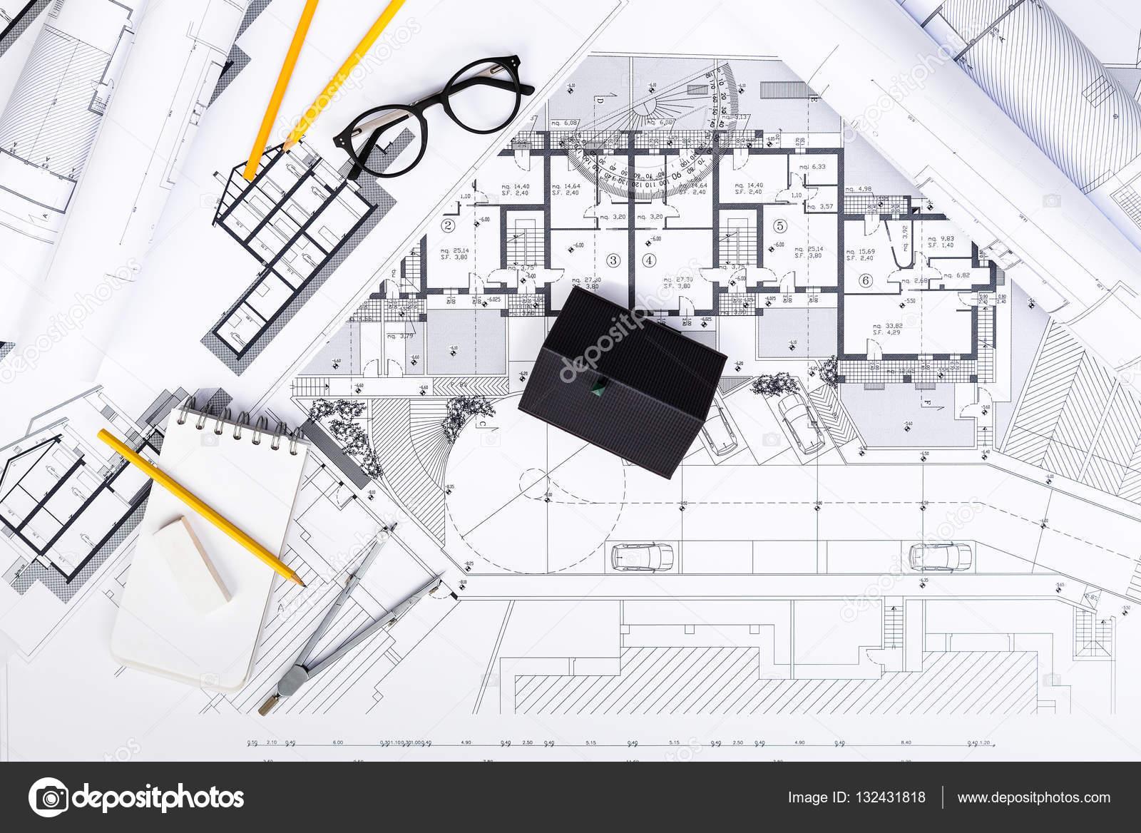 Plans De Construction Avec Les Outils De Dessin Et Maison