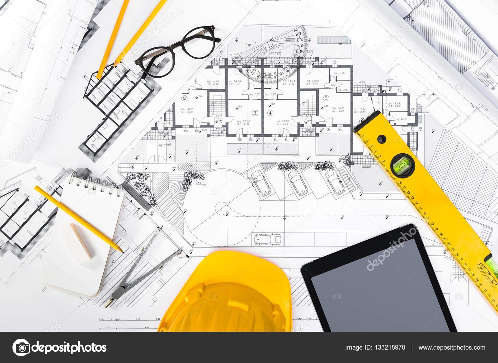 Planos de construcci n con tableta dibujo y herramientas for Planos de construccion