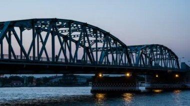4 k Timelapse nap éjszaka, a Bangkok híd is egy híd a belvárosi Bangkok City, Thaiföld