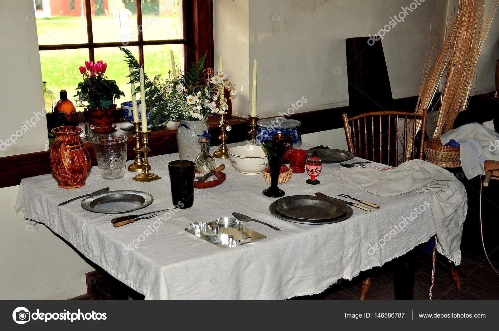 Lancaster Pennsylvania Interior Dining Table At Stone Tavern Stock Photo