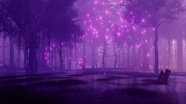 Misztikus firefly fény repkednek a hátborzongató halott fák a titokzatos erdő mocsári, sötét, ködös éjszaka. Fantasy 3d animáció jelenik meg, a 4k