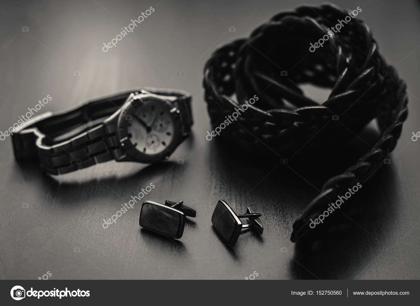 11c5fa300cc Mans αξεσουάρ. Παπούτσια με ρολόι και άρωμα — Φωτογραφία Αρχείου ...