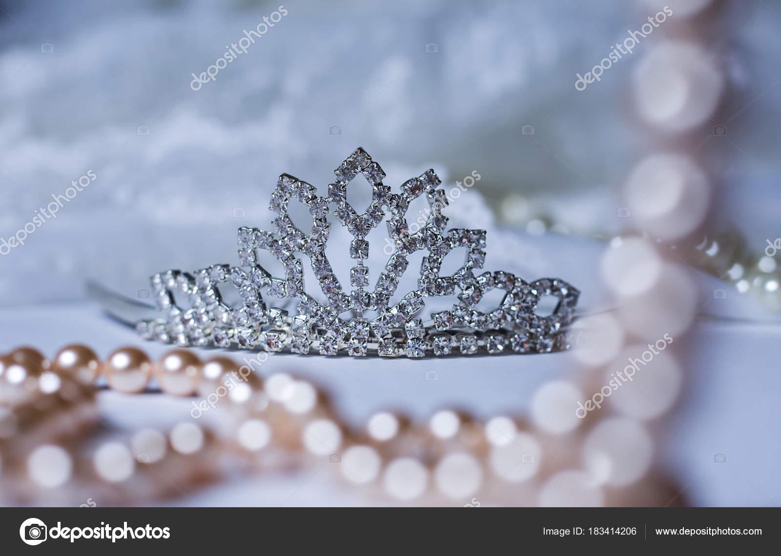 3bba449f84 Εικόνα διακόσμηση του στέμματος γάμου τιάρα — Φωτογραφία Αρχείου ...