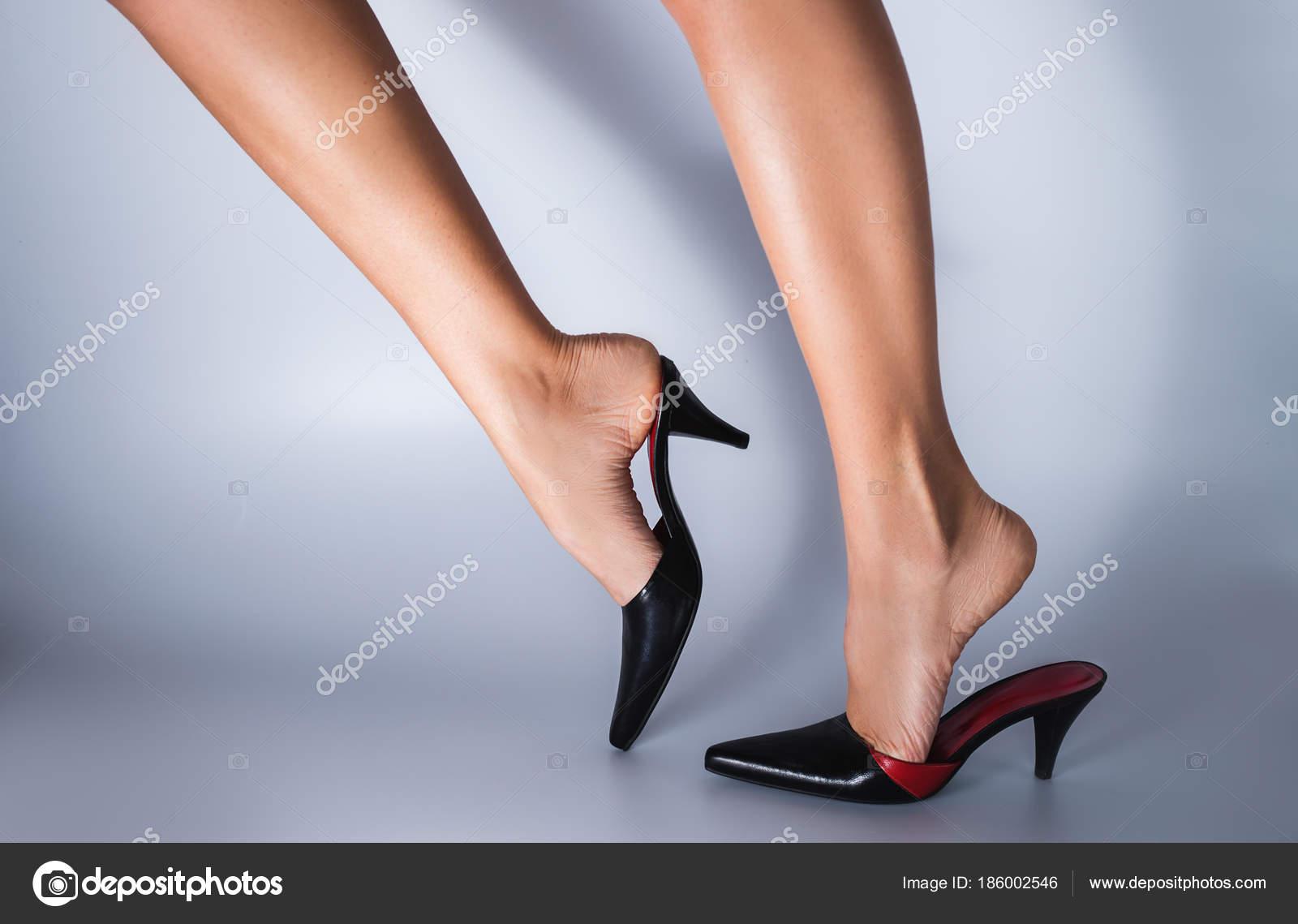 σέξι μαύρο γυναικεία πόδια