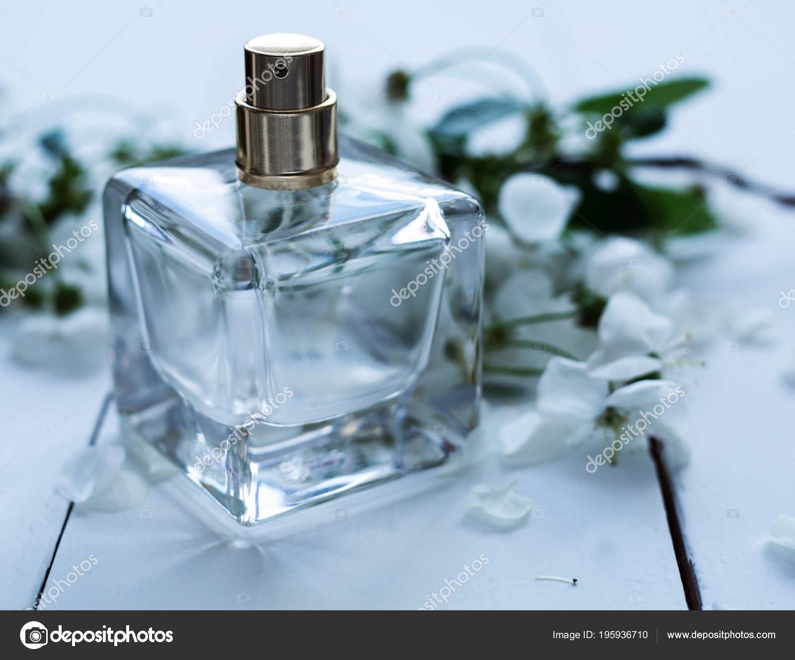 Perfume White Flowers Stock Photo Martyna1802 195936710