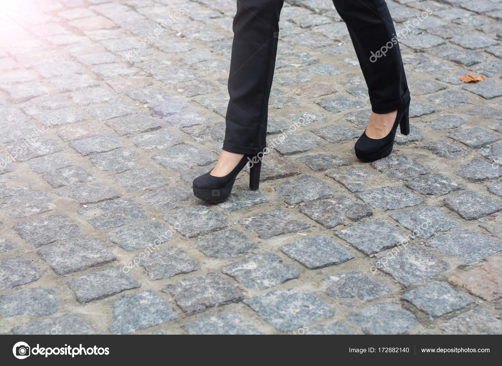 Donna Con Pantaloni Della Scarpe Piedini Tacchi In E I qf54g