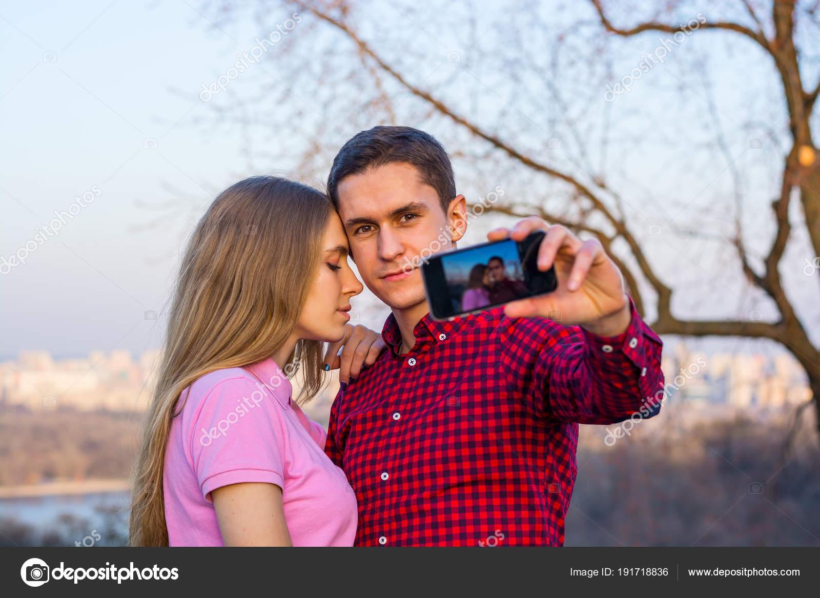 как сделать фото на фоне фото