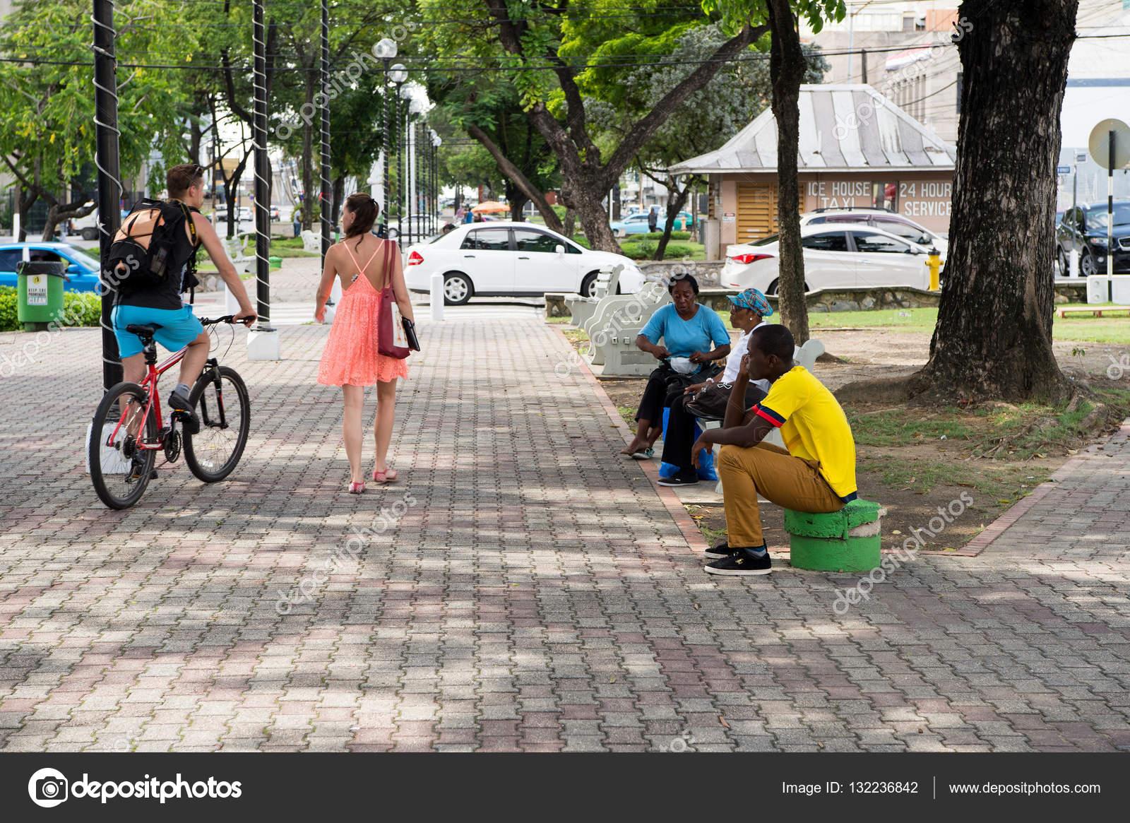 Különböző Emberek Park –Editorial Stock Fotó