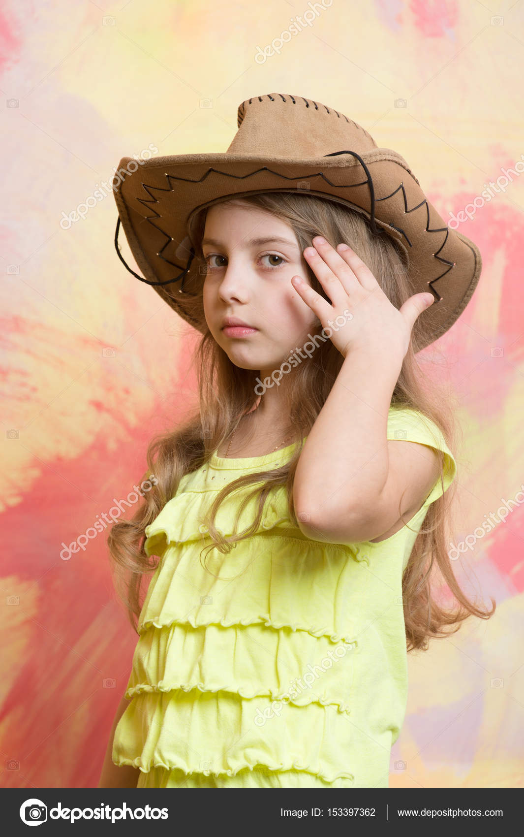 b49a31fba Adorable little girl with cute face in western cowboy hat — Stock ...