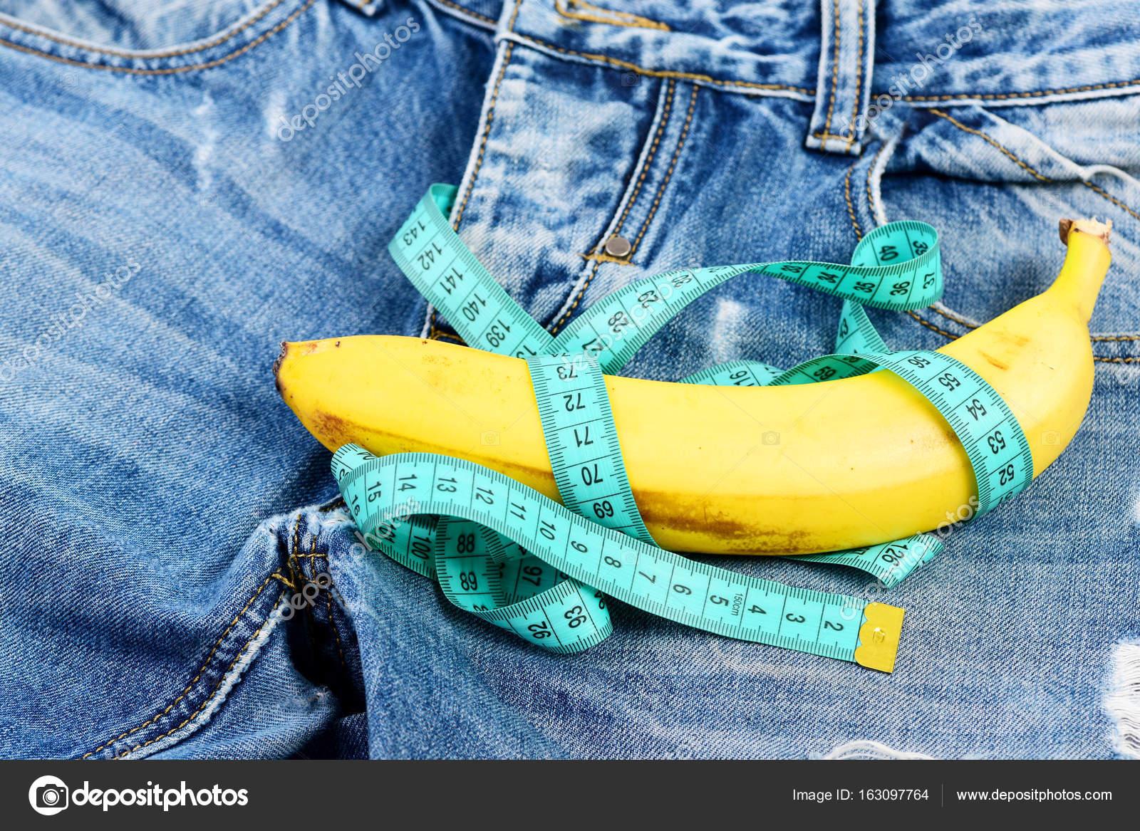 Herren Jeans Hose mit Banane, die männliche Genitalien zu imitieren ...