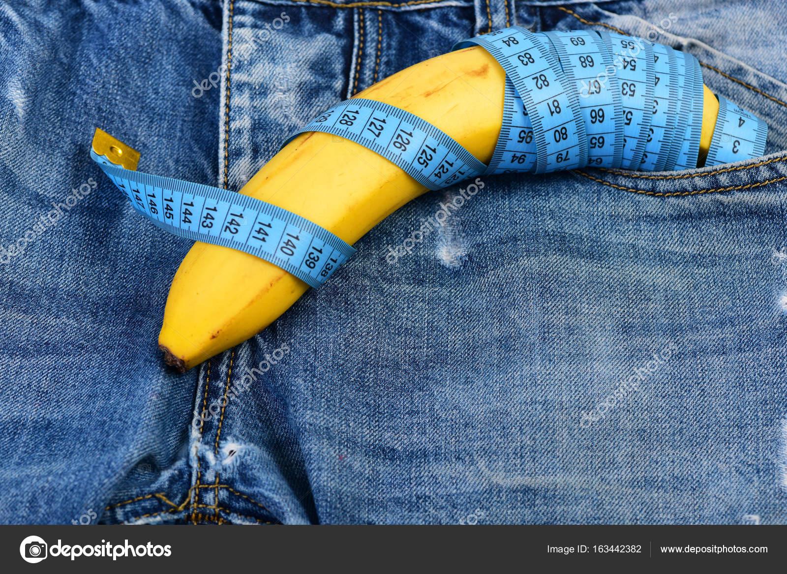 Herren Jeans mit Banane imitieren männliche Genitalien, Nahaufnahme ...