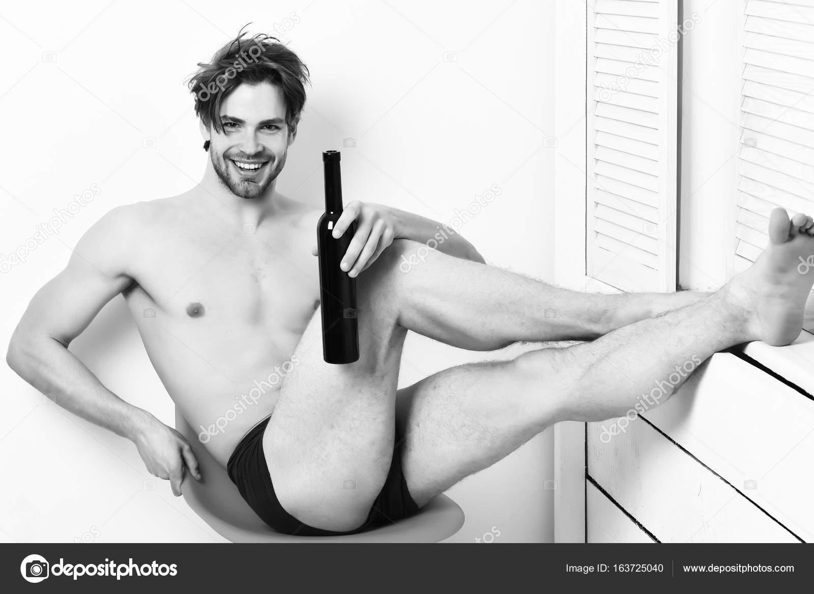 Сексуальный мачо парень