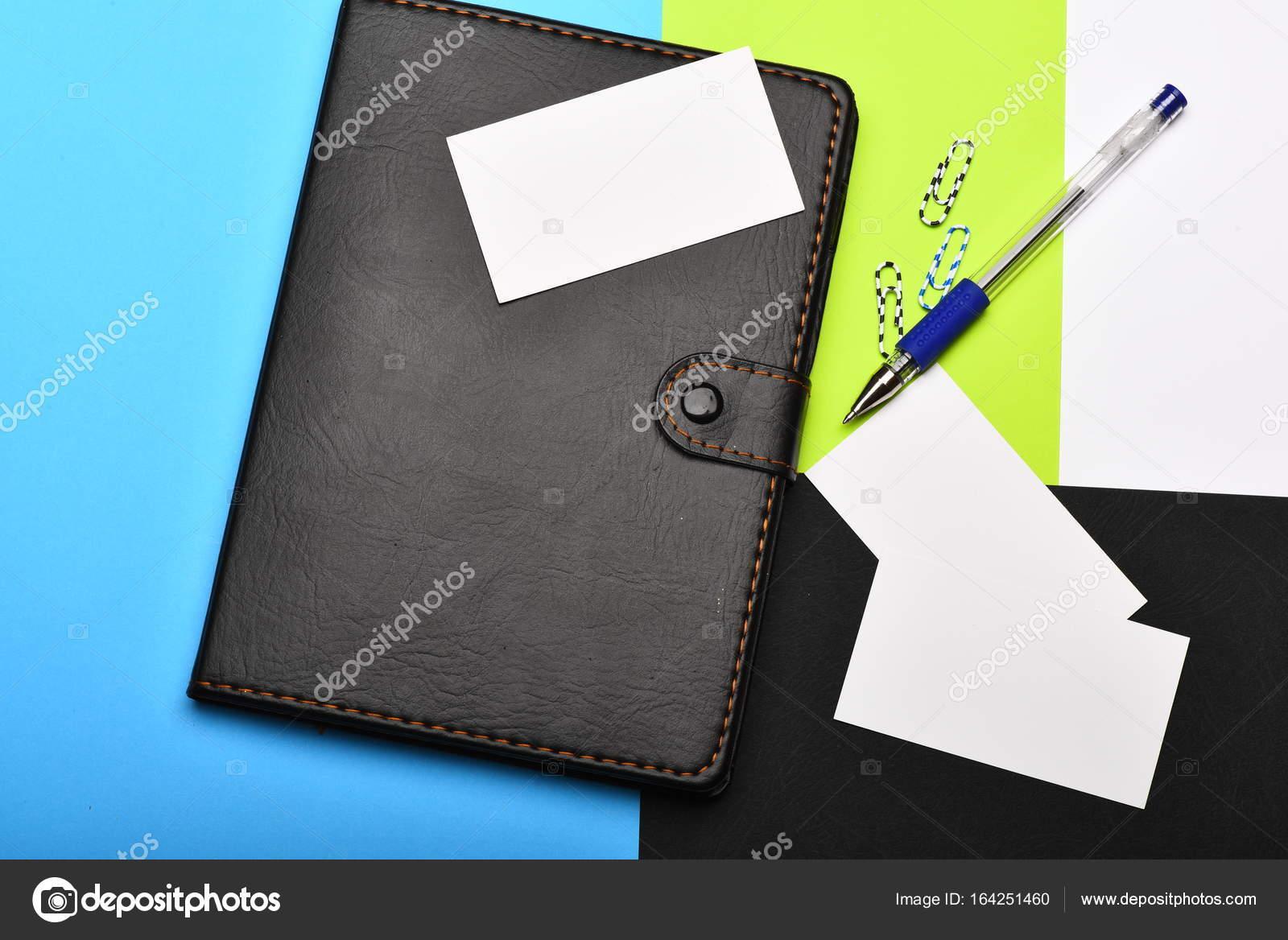 Notizbuch Stift Leere Visitenkarten Und Clips Auf Bunten