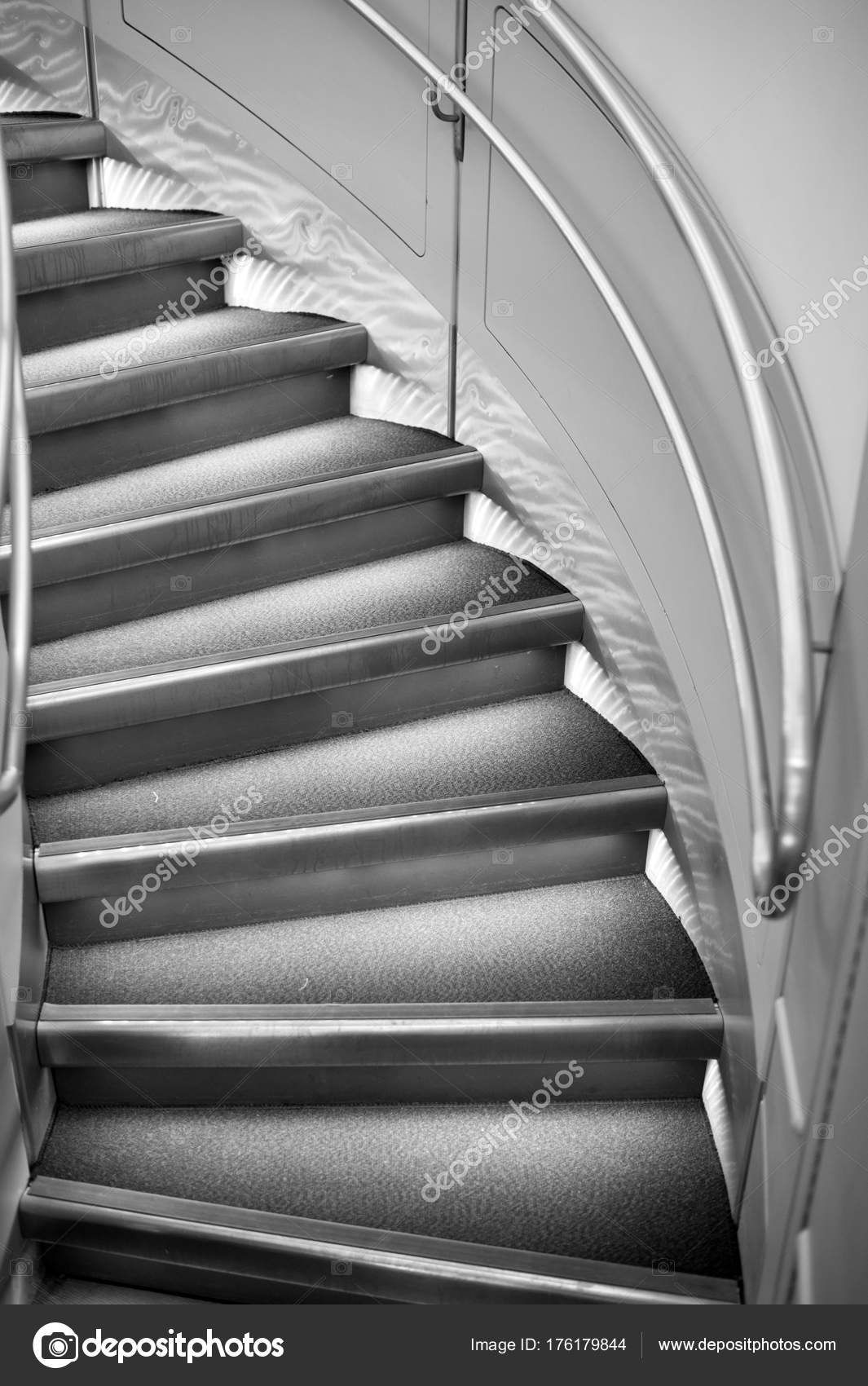 Escaleras Redondas O Escalera Con Pasamanos Arquitectura