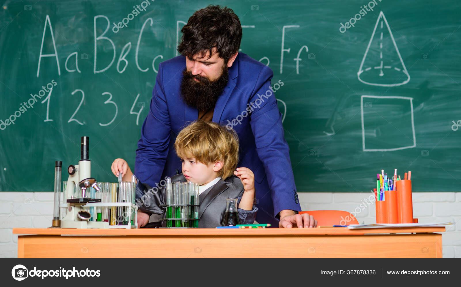 поздравления с 1 сентября учителю физики там