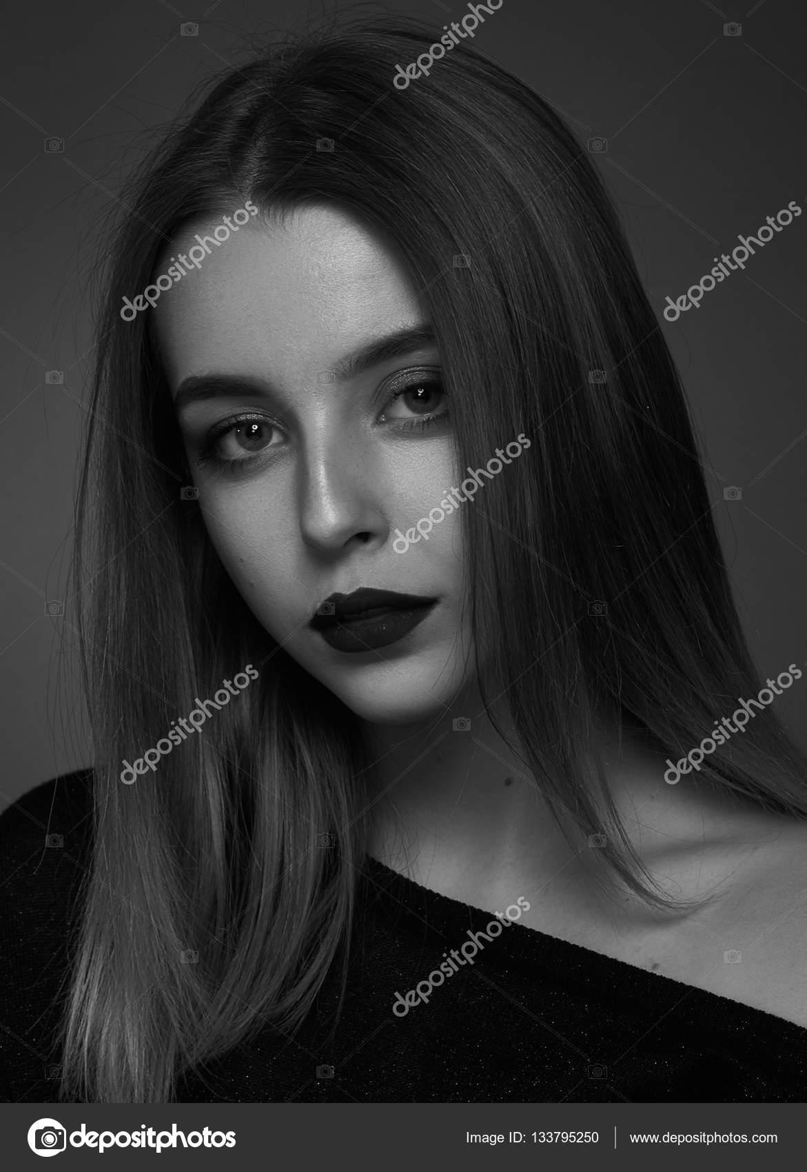 черно белые красивые картинки девушек