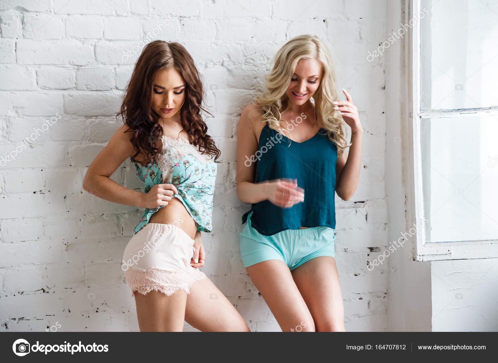 Models in shorts pics